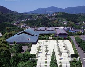 九州陶磁文化館1-thumb-276xauto-507.jpg